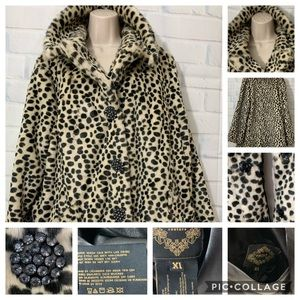 Chill Couture Soft /Warm Faux Cheetah Coat {Sz XL}
